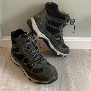 13 WIDE LL Bean Snow Sneakers